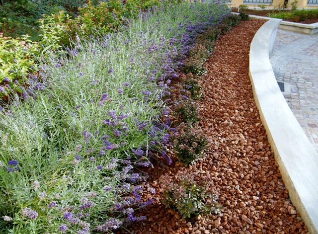 Lapilli vulcanici per giardino cemento armato precompresso for Corteccia bricoman